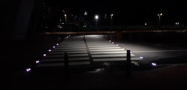 [용인시] LED 활용한 활주로형 횡단 보도 추가 설치  -경기티비종합뉴스-